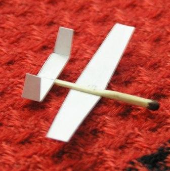 Как сделать из бумаги и спичек самолет